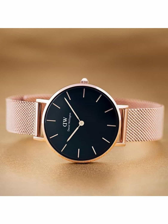 ur til hende